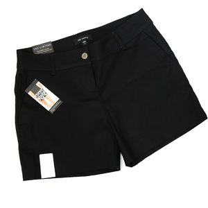 NWT The Limited Tailored Short Black Size 4
